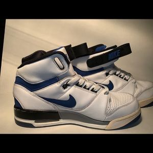 Nike Air revolution shoes size 11 white/blue